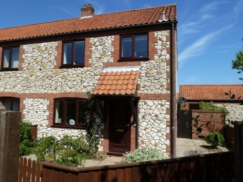 Malthouse Court Thornham, Norfolk. Self Catering Cottage sleeping 6 to rent