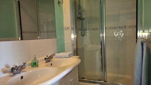 Bed and Breakfast with en-suite bathroom