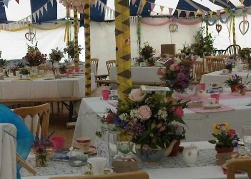 vintage wedding tent devon cornwall southwest