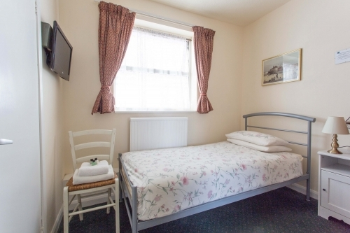Oakwood B&B Heathrow. Single standard, En-suite