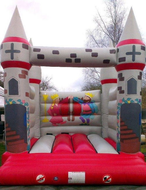 CHILDS BOUNCY CASTLE 12X15 FOOT