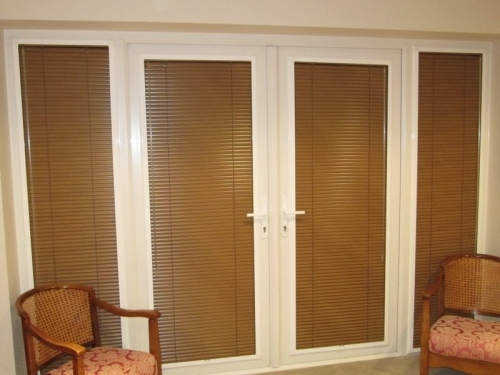 Custom made perfect fit Venetian Blinds sit neatly in the window frame in Angmering village, West Sussex Jpg