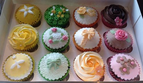 20140527122317e3580b4f14eb840790d2b23ac49bc090 birthday cake delivery gloucester 2 on birthday cake delivery gloucester