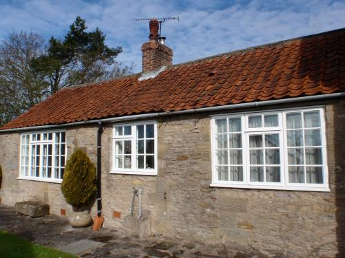 Single storey cottage - very easy access.