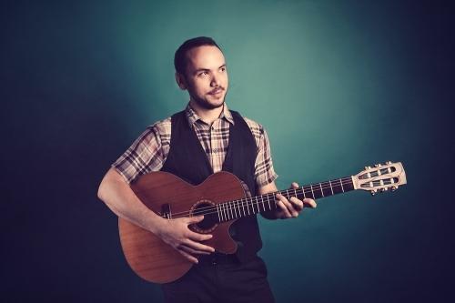 Romano Instrumental Classical Guitarist London 6