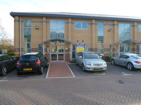 Nos 8 The Point Business Park Market Harborough Leicestershire. Ground Floor Office of 675 sq ft available. £153 per week. dedicated car aprking/air con etc