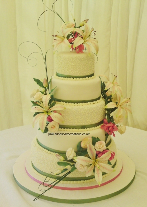 Wedding Cake Makers Suffolk Annes Cakes For All Occasions In Sudbury