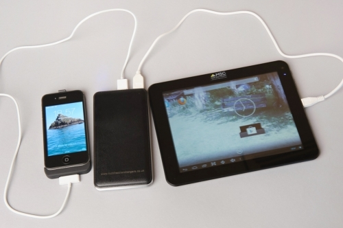 MSC Premier power bank charging iPhone 4 and Android Tablet