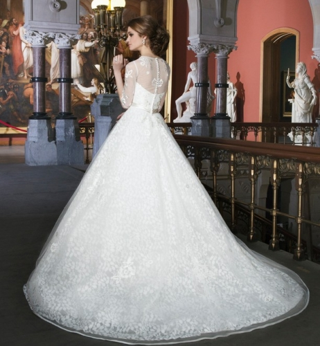 wedding dresses, tiaras, wedding veils, bridal veils