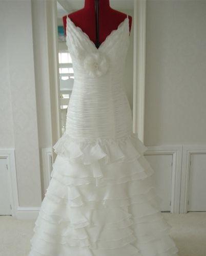 La Sposa Ensayo Ex Sample Wedding Dress