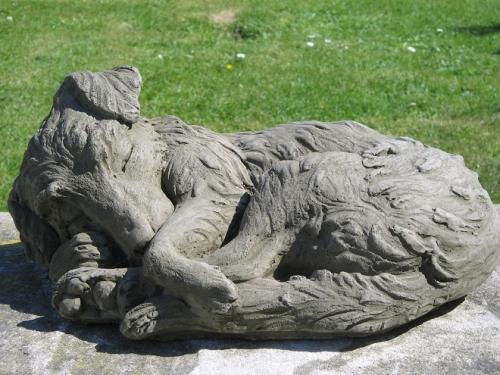 Dragonstone Dog Statues