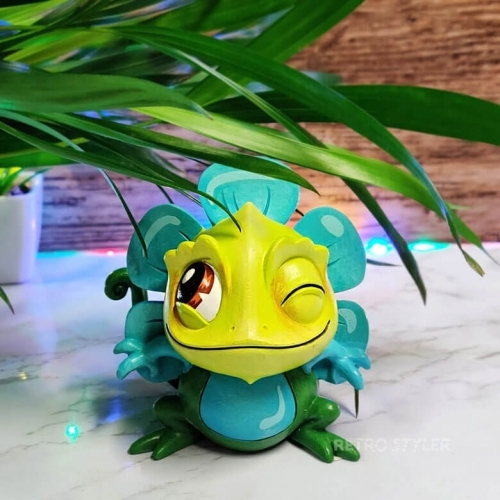 Disney Showcase Miss Mindy Tangled Pascal Figurine 6