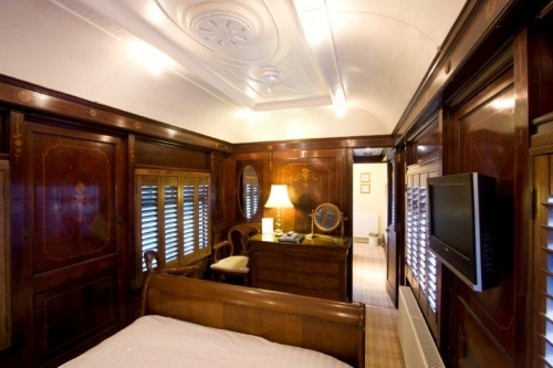 Standard Pullman bedroom