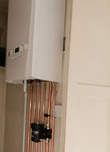 Polished Copper Pipework with Magna cleanse filter