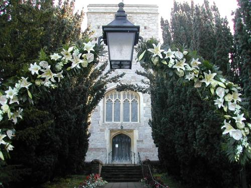 Surrey wedding flowers by The Gorgeous Flower Company