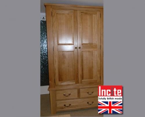 Bespoke Oak Double Wardrobe custom made by Incite Interiors in Draycott Derbyshire