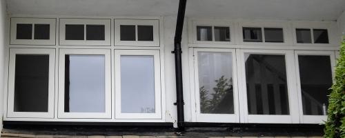 Evolution FLUSH window left, next to original wood.
