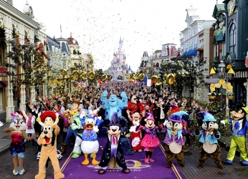Book Disneyland Paris Holiday