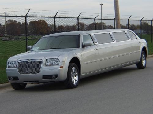 Limousine Chrysler Silver
