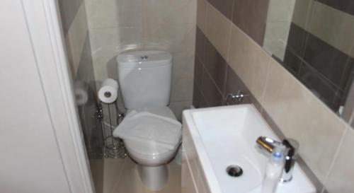 Standard double bathroom